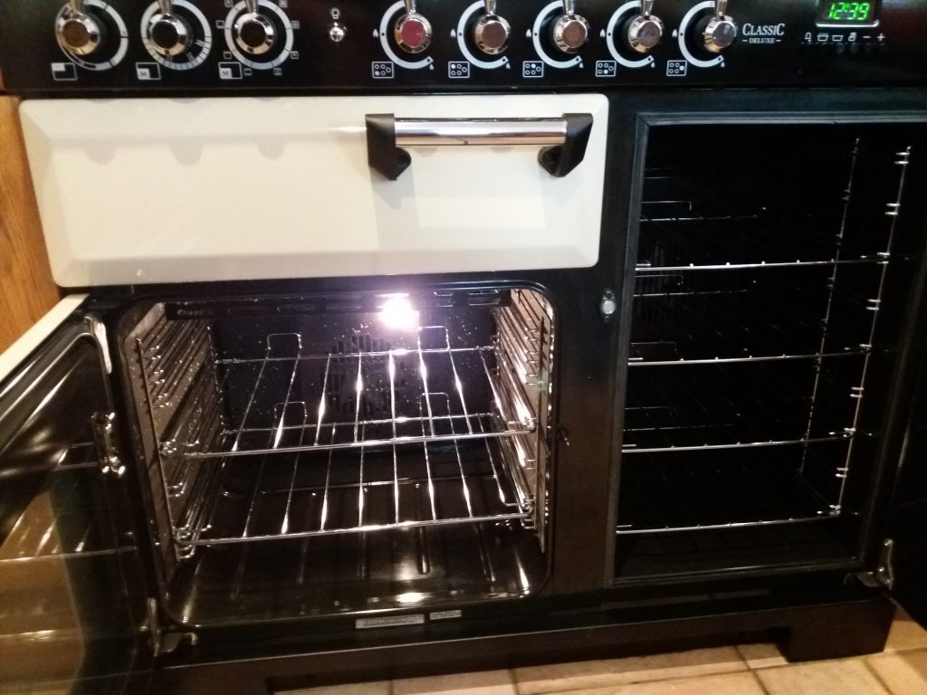 Range oven cleaning & repair. Oven Supremo cover Barnsley, Wakefield & Pontefract.